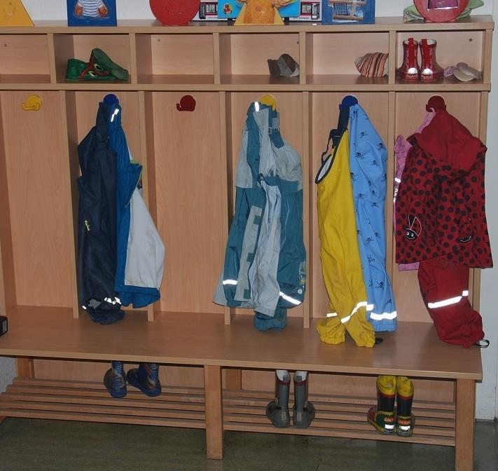 Garderobe kindergarten garderoben m bel montage for Garderobe gebraucht